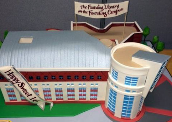 cake replica of the HS/HSL building